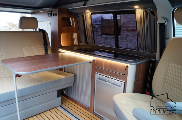 individuelle bus und van ausbauten vw t5 camping vans. Black Bedroom Furniture Sets. Home Design Ideas